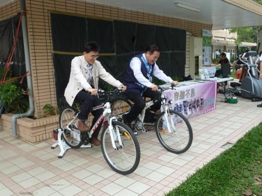 市長也騎腳踏車